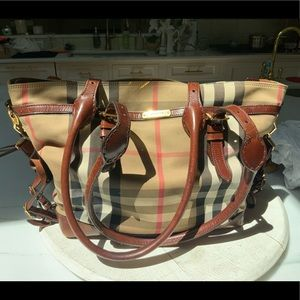 COPY - Burberry large bag, weekender/diaper bag 1…